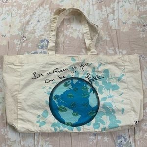 Be green Bisou Bisou canvas tote 🌎